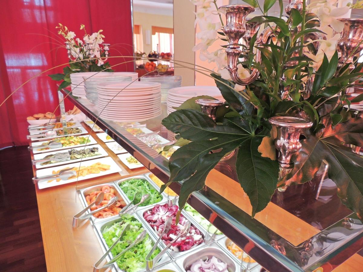 buffet-verdure-fresche-estate-cattolica