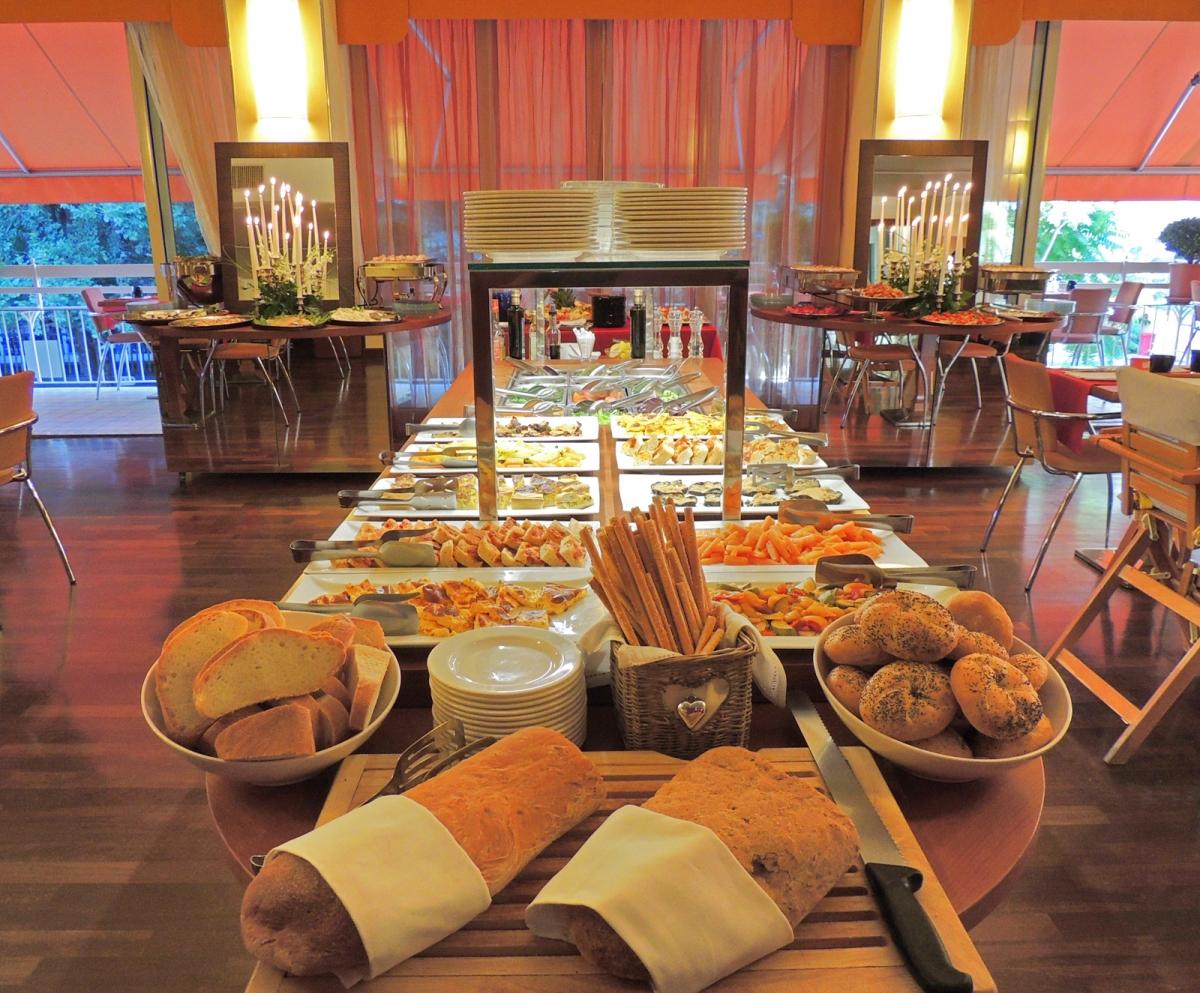 cena-elegante-hotel-cattolica